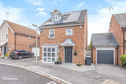 4 bedroom detached house for sale - Benham Road, Marnel Park, Basingstoke, Hampshire, RG24