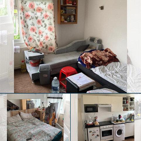 Studio to rent - Holmwood Grove NW7
