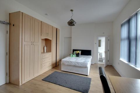 5 bedroom terraced house to rent - Evington Road, Leicester