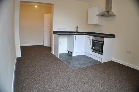 Studio to rent - Flat 4, 30 Warbreck Drive