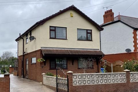 3 bedroom detached house for sale - Pendyffryn Road, Rhyl