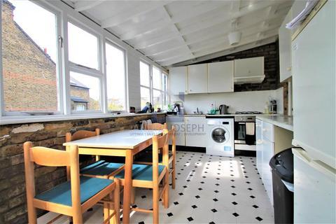2 bedroom flat to rent - Elms Crescent, Abbeville Village, Clapham, London, SW4 8RA