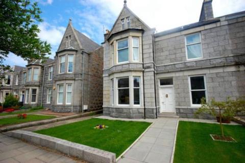 4 bedroom flat to rent - Blenheim Place, Aberdeen, AB25