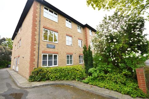 2 bedroom flat to rent - Cowley Court, 12 Grove Hill, London, E18
