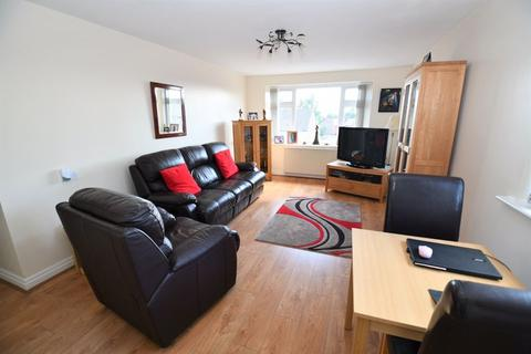 1 bedroom flat for sale - Princes Court, Monton