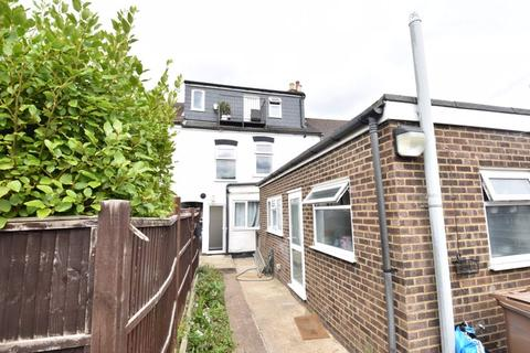 6 bedroom terraced house for sale - Farley Hill, Luton