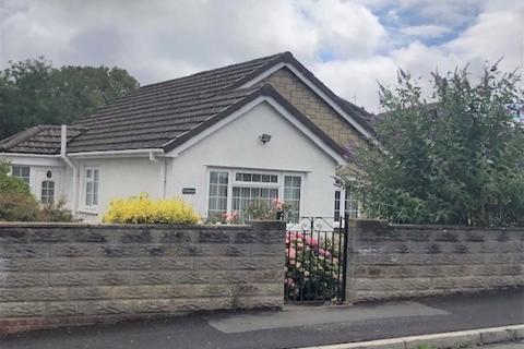 2 bedroom detached bungalow for sale - Collard Crescent, Barry