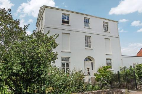 6 bedroom end of terrace house for sale - Wonford Road, Exeter