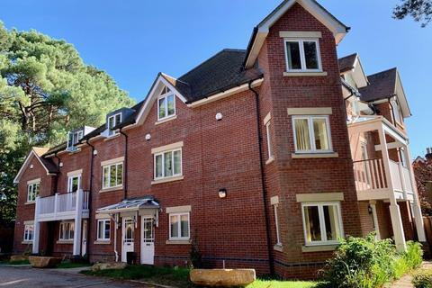 4 bedroom house to rent - BRANKSOME HILL ROAD, BOURNEMOUTH