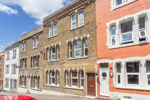 3 bedroom terraced house to rent - Ramsgate