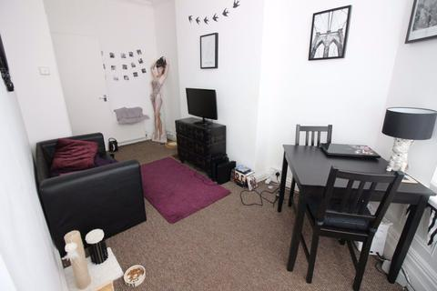 1 bedroom apartment to rent - Connaught Road, Roath, Cardiff, CF24 3PU