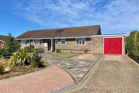 3 bedroom detached bungalow for sale - Lower Drive, Seaford, East Sussex