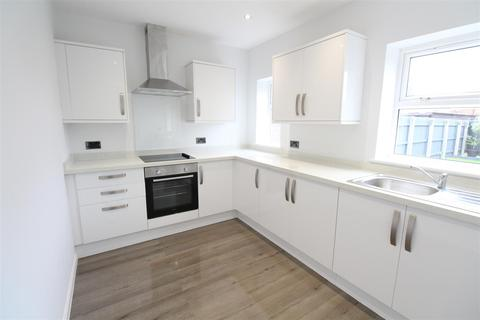 3 bedroom semi-detached house for sale - 9Th Avenue, Hull