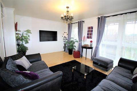 3 bedroom flat for sale - Stocksfield Road, London