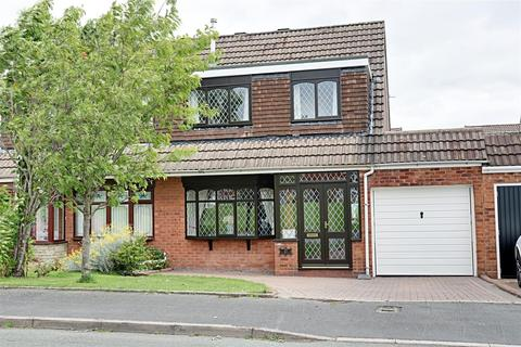 3 bedroom semi-detached house for sale - Cedar Park Road, Willenhall