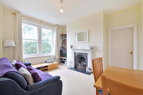 2 bedroom flat for sale - Hemstal Road, West Hampstead, NW6