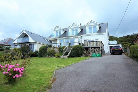 6 bedroom detached bungalow for sale - Main Road, Ogmore-by-sea, Bridgend, Vale of Glamorgan. CF32 0PD