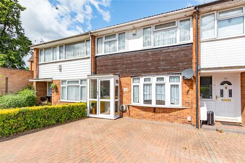 3 bedroom terraced house for sale - West Malling Way, Hornchurch, RM12
