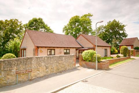 2 bedroom detached bungalow for sale - Gardiner Close, Oxford, OX33