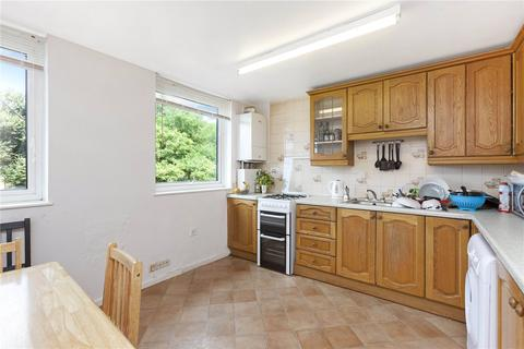 5 bedroom flat to rent - Downfield Close, Maida Vale, W9