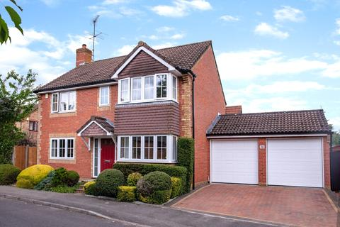 4 bedroom detached house for sale - Strand Way, Lower Earley, Reading, RG6 4BU