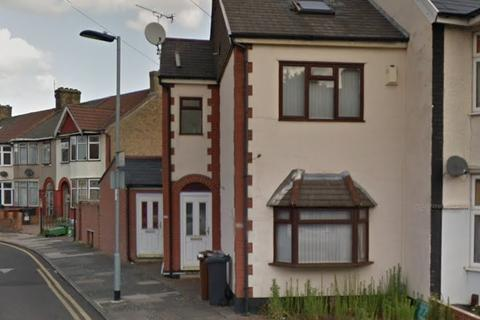 2 bedroom maisonette for sale - Salisbury Avenue, Barking, IG11