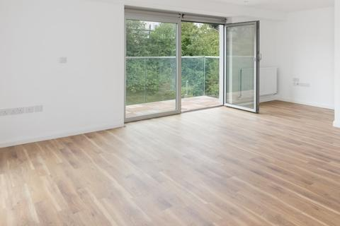2 bedroom flat to rent - Central Park, Brighton