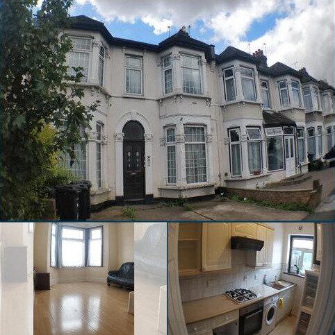 2 bedroom flat to rent - Cambridge Road , Seven Kings , Ilford  IG3