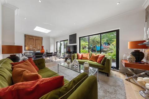 3 bedroom flat for sale - Kings Avenue, SW12
