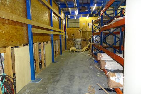 Warehouse to rent - Park Avenue, UB1