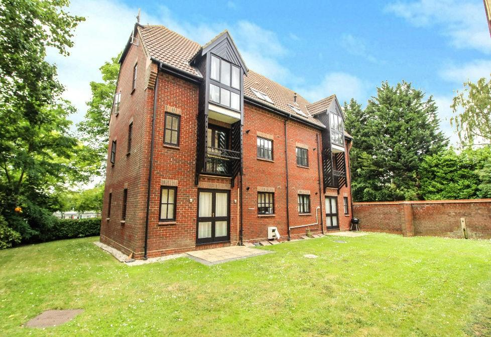 Sawyers Hall Lane, Brentwood, Essex, CM15 1 bed apartment ...