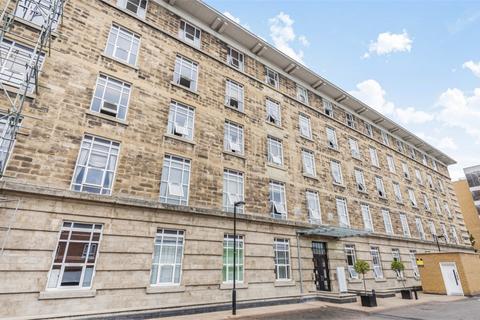 1 bedroom flat for sale - Bromyard House, Bromyard Avenue, London