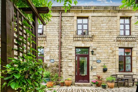 3 bedroom cottage for sale - Castle Park, Hornby, Lancaster, LA2 8SB