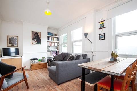 3 bedroom flat for sale - Markhouse Road, Walthamstow, London, E17