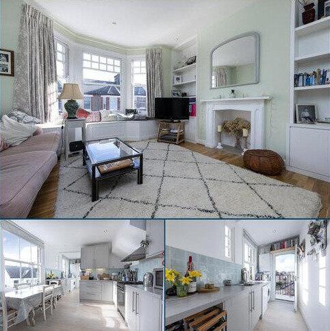 2 bedroom flat for sale - Elmhurst Mansions, Edgeley Road, London, SW4