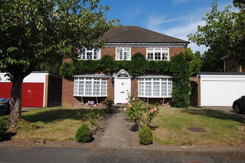 4 bedroom detached house to rent - Grantley Drive, Fleet