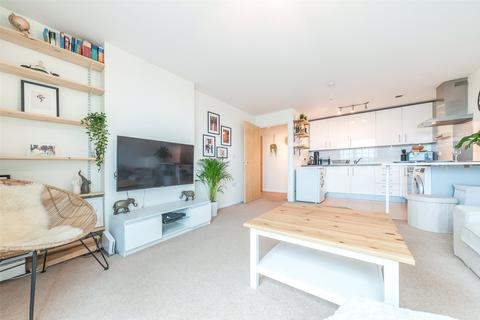 2 bedroom detached house for sale - Admiral House, 19 St George Wharf, London, SW8
