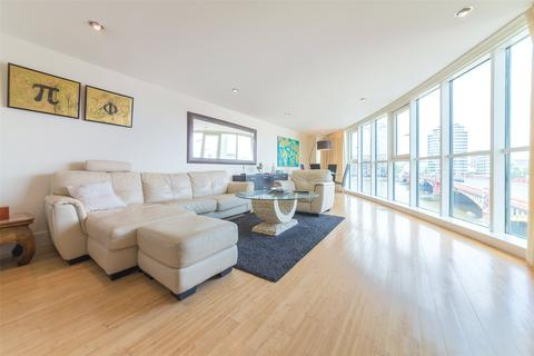 3 bedroom property for sale - Bridge House,, St George Wharf, SW8