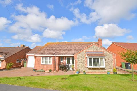 3 bedroom detached bungalow for sale - West Runton, Cromer