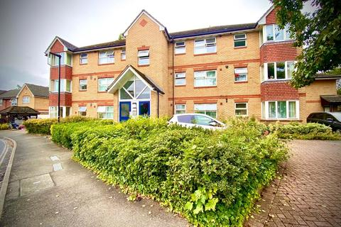 2 bedroom apartment to rent - Hollygrove Close, Hounslow