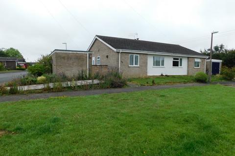 2 bedroom semi-detached bungalow for sale - Pretyman Avenue, Stowmarket