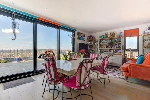 2 bedroom penthouse for sale - The Causeway, Worthing