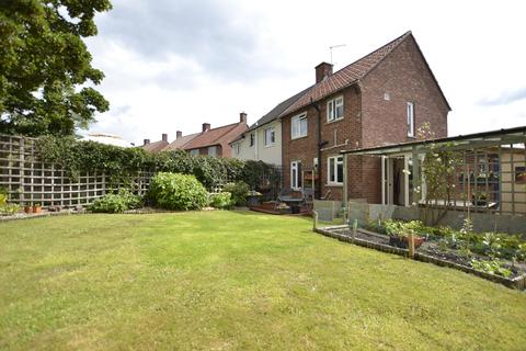 2 bedroom semi-detached house for sale - Ambleside Avenue, BRISTOL, BS10