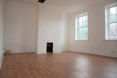 1 bedroom flat to rent - 104 High Street , Rainham , Kent