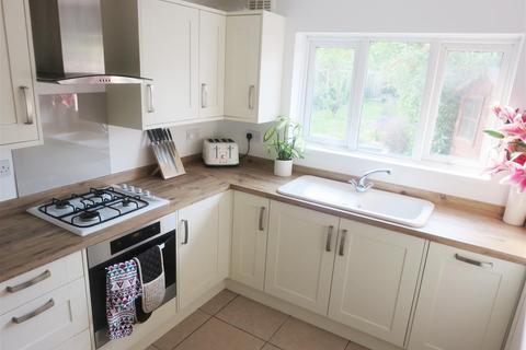 2 bedroom semi-detached bungalow to rent - Northwood Road, Broadstairs