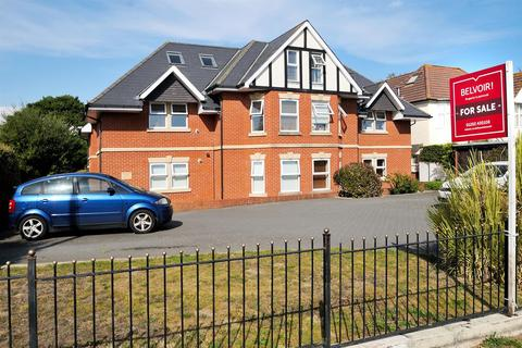 2 bedroom flat for sale - Castle Lane West, Bournemouth
