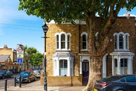 2 bedroom end of terrace house for sale - St. Stephens Road, Bow, London