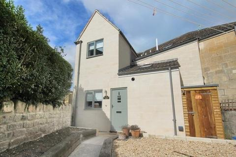 3 bedroom house to rent - Upper Oldfield Park
