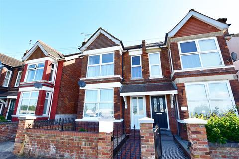 3 bedroom semi-detached house for sale - Sackville Crescent, Ashford
