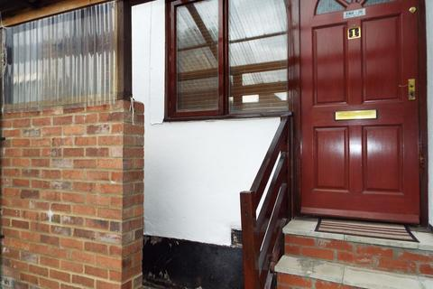1 bedroom flat to rent - 16 Russell Street, Luton